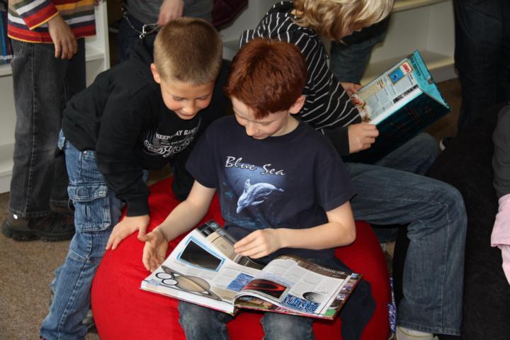 Schüler lesen