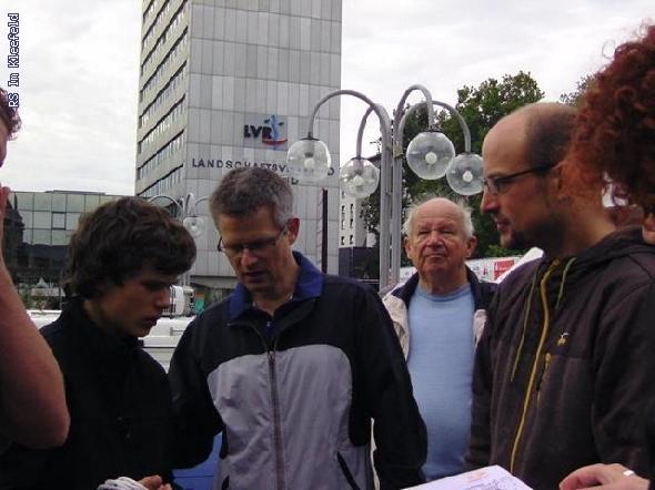 http://www.realschule-kleefeld.de/hp/pixlie/cache/vs_K%F6lnmarathon%202010_BILD1465.JPG